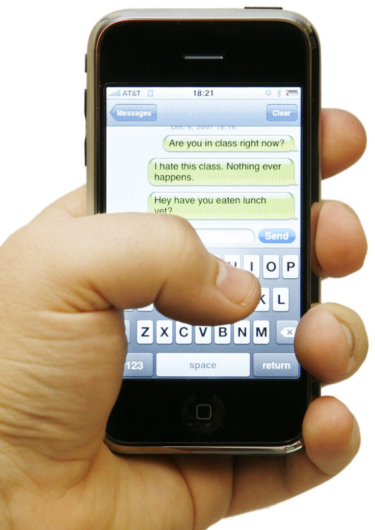 How to send whatsapp messages when you're Offline On An iPhone?